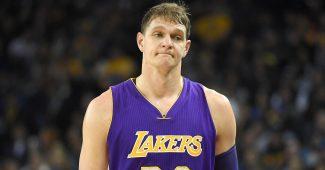 Mozgov a de quoi tirer la tronche, les Lakers se sont encore ridiculisé.