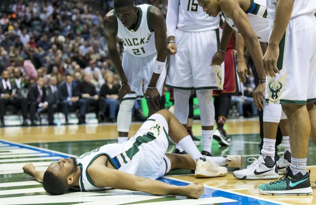 Jabari Parker touché au genou gauche, les ligaments croisés de nouveau
