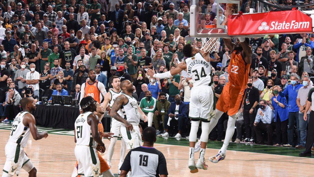 Contre de Giannis déterminant pour la victoire lors du 4ème match des Finales NBA 2021
